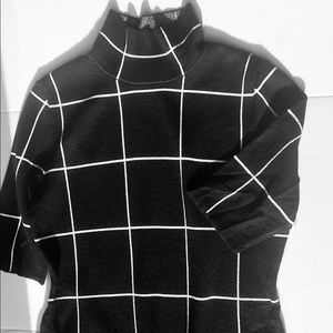 Sweaters - Black turkey neck with white strips Elbow sleeves